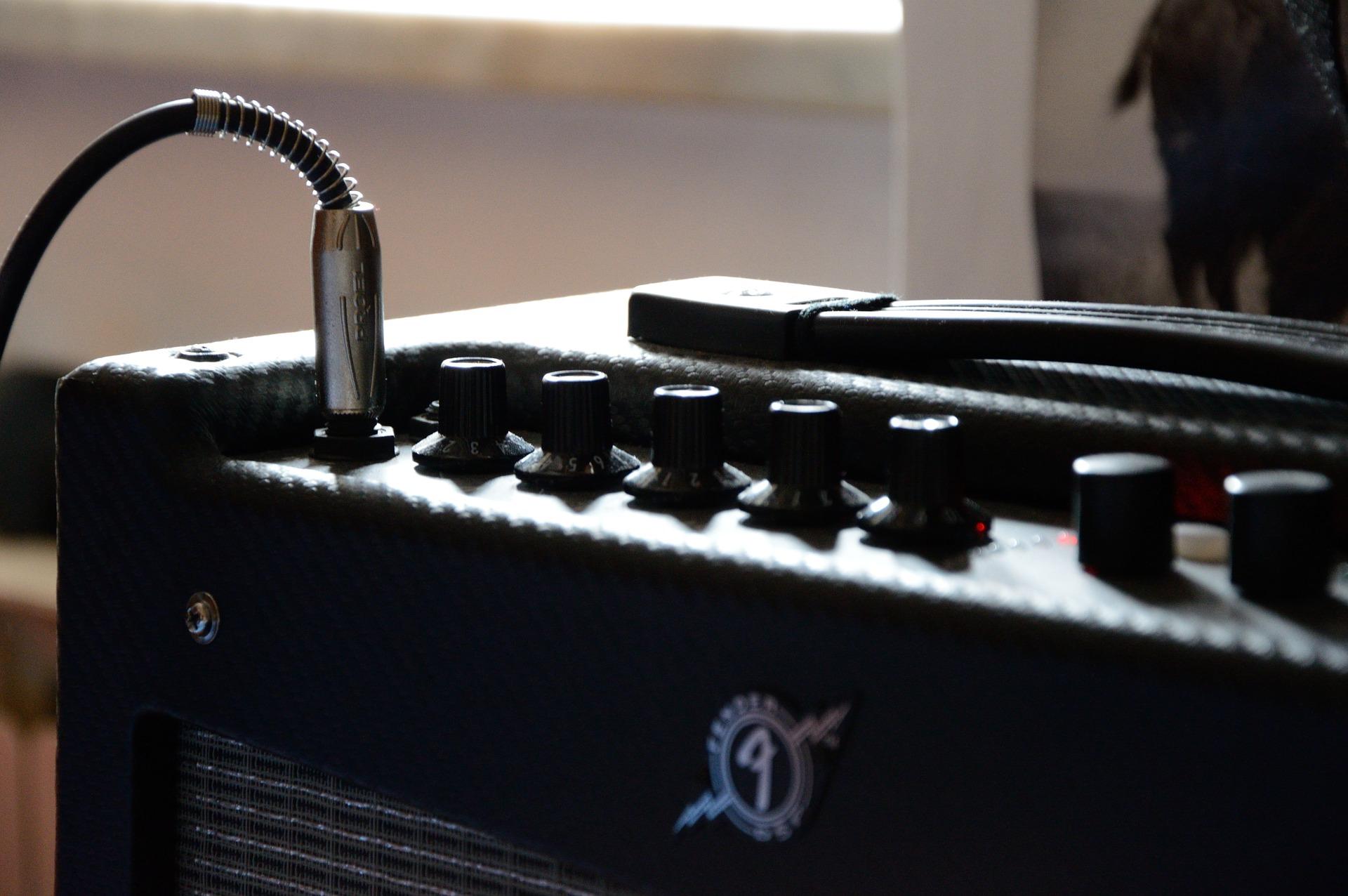 amplifier-1328055_1920