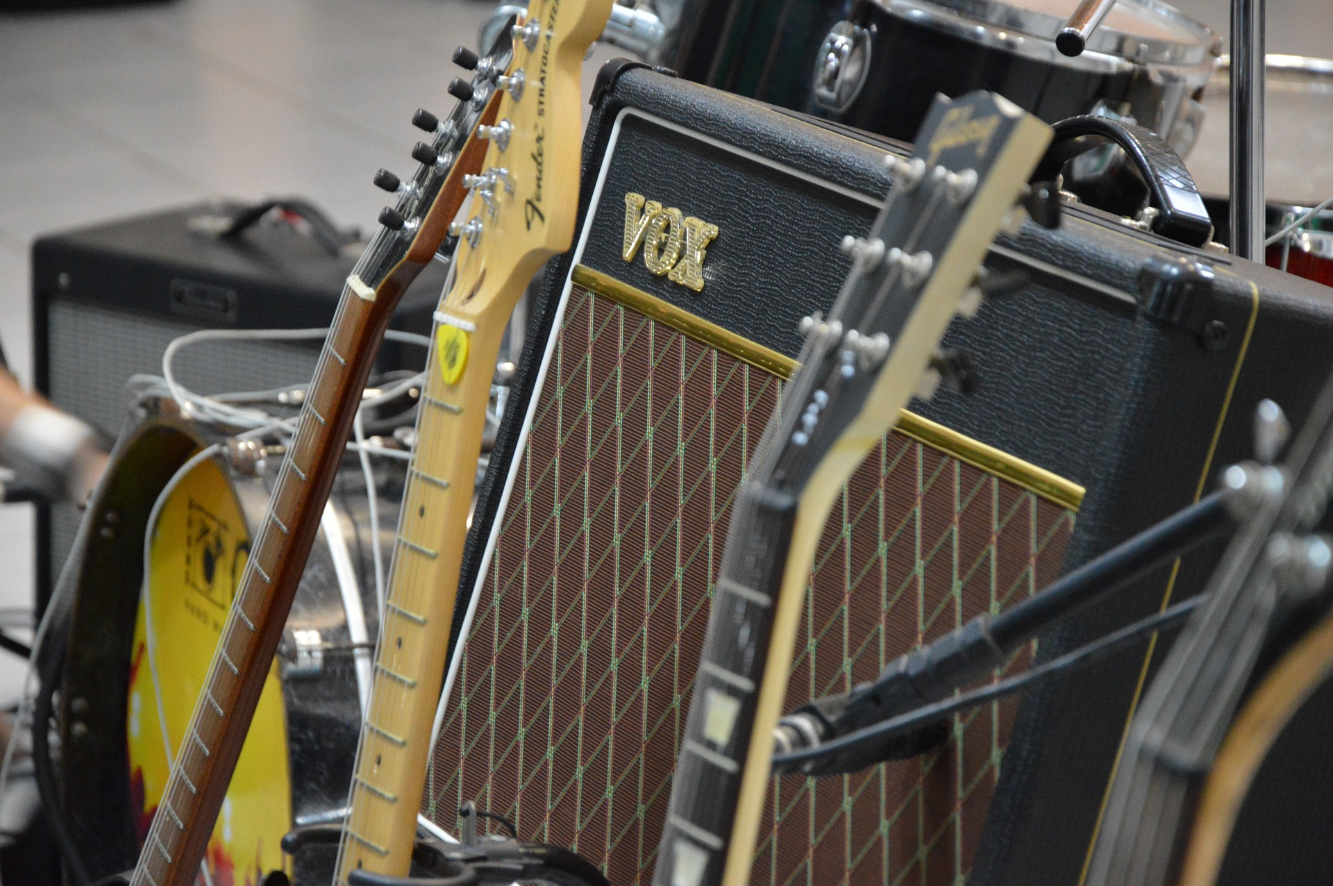 guitar-1011173_1920